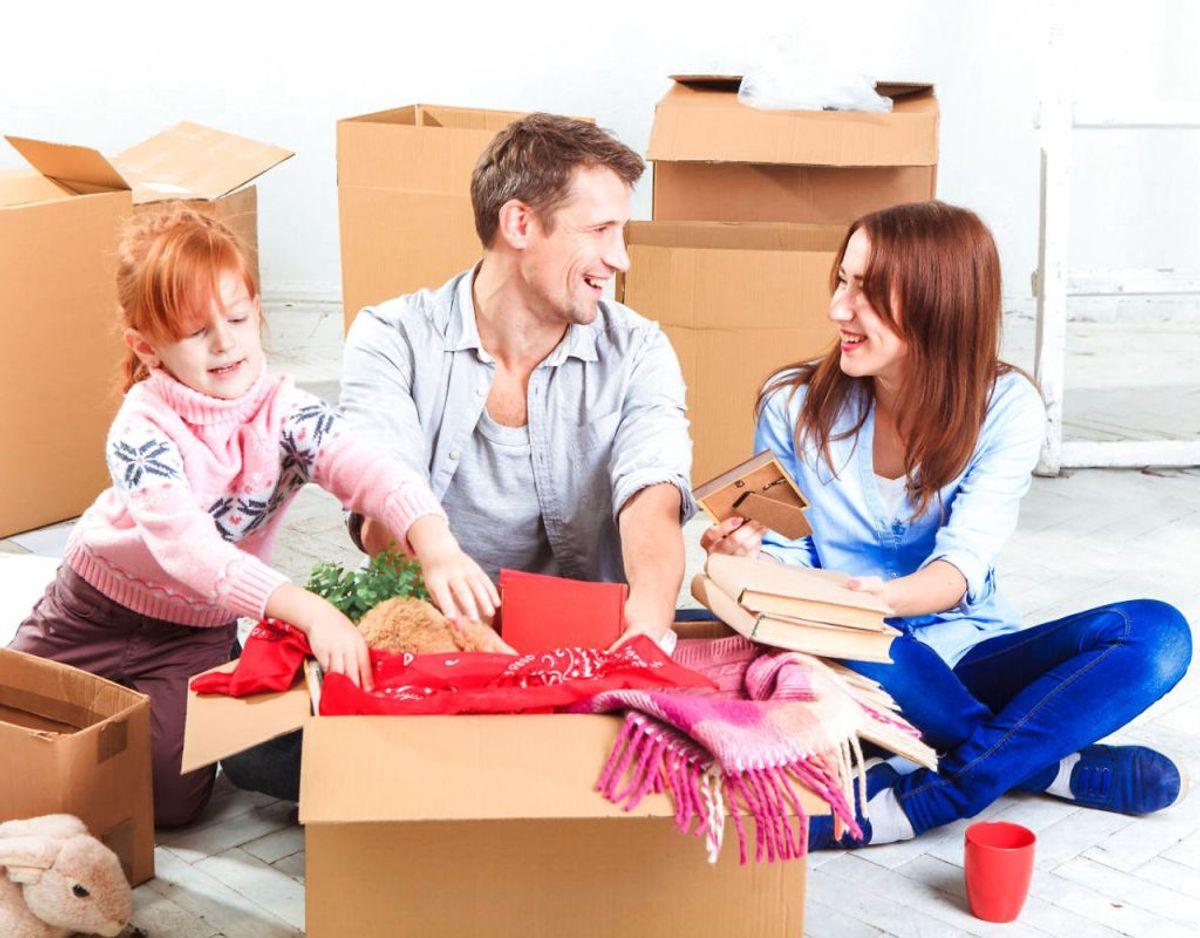 Måske har du ryddet op i dine ting, fordi du ikke har plads til det hele i hjemmet. Men det er ikke sikkert, du skal opbevare de ting i kælderen, for ikke alle ejendele egner sig til det. KLIK VIDERE og se hvad du aldrig må opbevare i kælderen. Foto: Scanpix