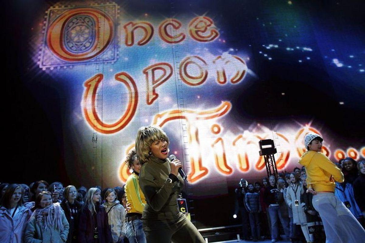 'Once upon a time' var et storstilet arrangement, men skandaleshowet blev overtaget af Tina Turner. I dag fylder hun 80 år. KLIK VIDERE OG SE BILLEDER FRA SHOWET. Foto: Scanpix