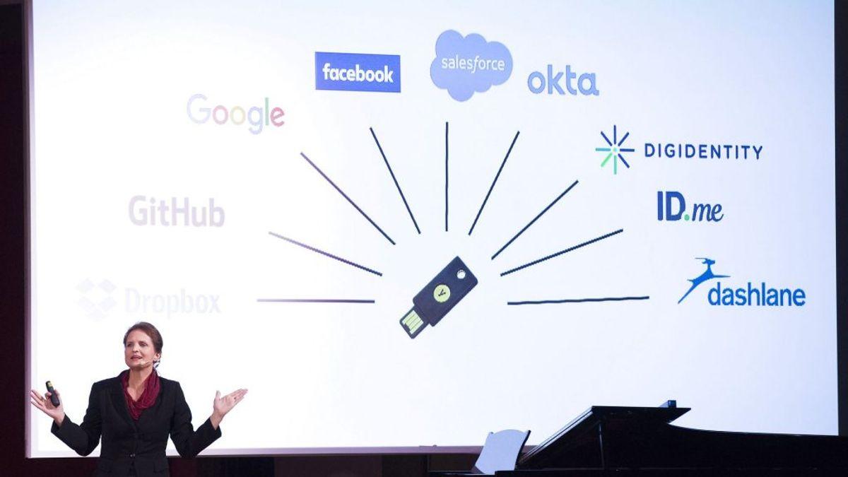 En model minder om en såkaldt Yubikey. Den henvender sig først og fremmest til personer, der har med følsomme data at gøre. den understøtter USB og den kontaktløse NFC-standard. Foto: Johan Jeppsson/Scanpix.