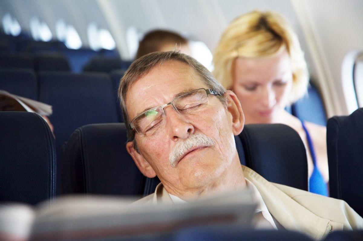 SØVNFORSTYRRELSER: Overdreven søvnighed i dagtimerne (træthed), insomni (søvnløshed), REM-adfærdsforstyrrelser og ikke-REM-søvnrelaterede bevægelsesforstyrrelser, uro i benene og periodiske haltebevægelser, søvnforstyrrende vejrtrækning, livlige drømme. Foto: Colourbox.