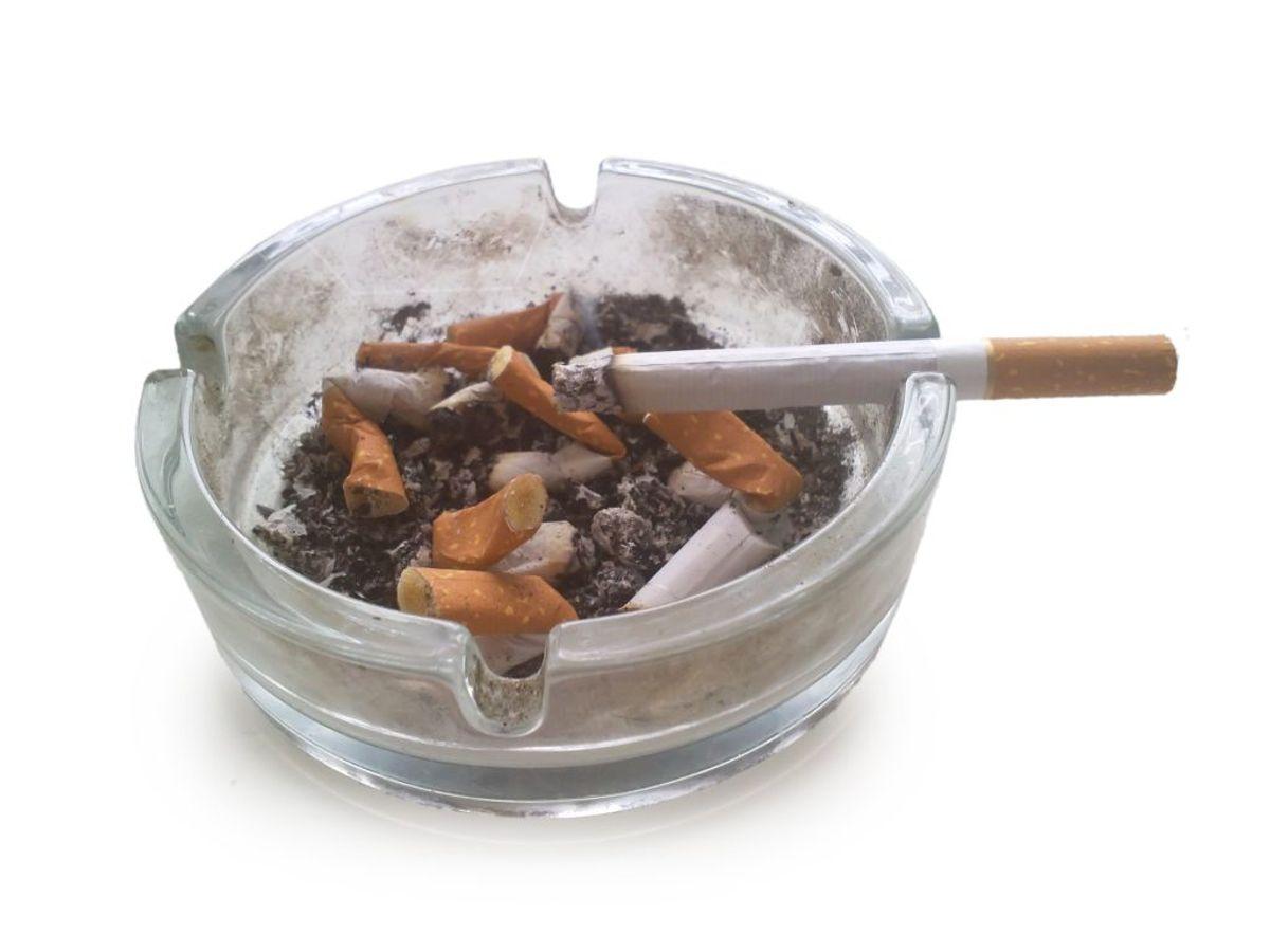 Er du ryger, skal du stoppe hurtigst muligt. Det kan du få hjælp til hos din læge.