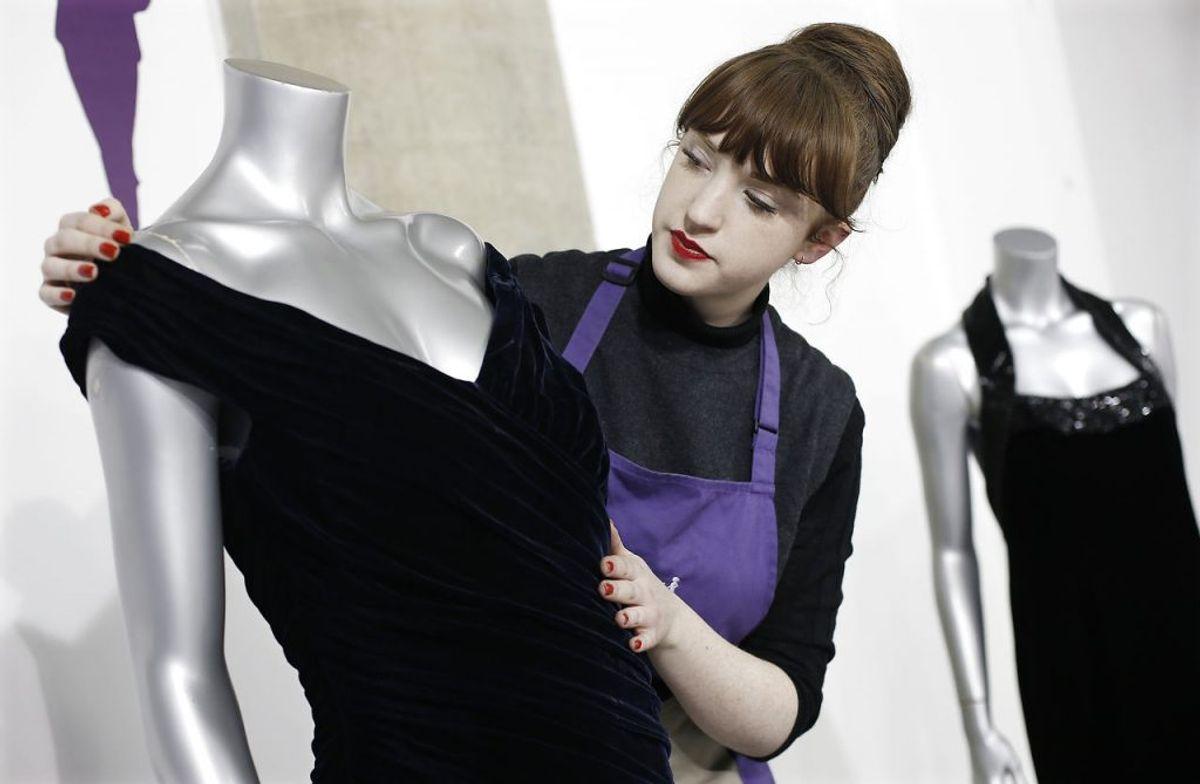Kjolen er designet af Victor Edelstein, men prinsesse Diana var selv med til at sætte sit præg på den. Foto: Scanpix.
