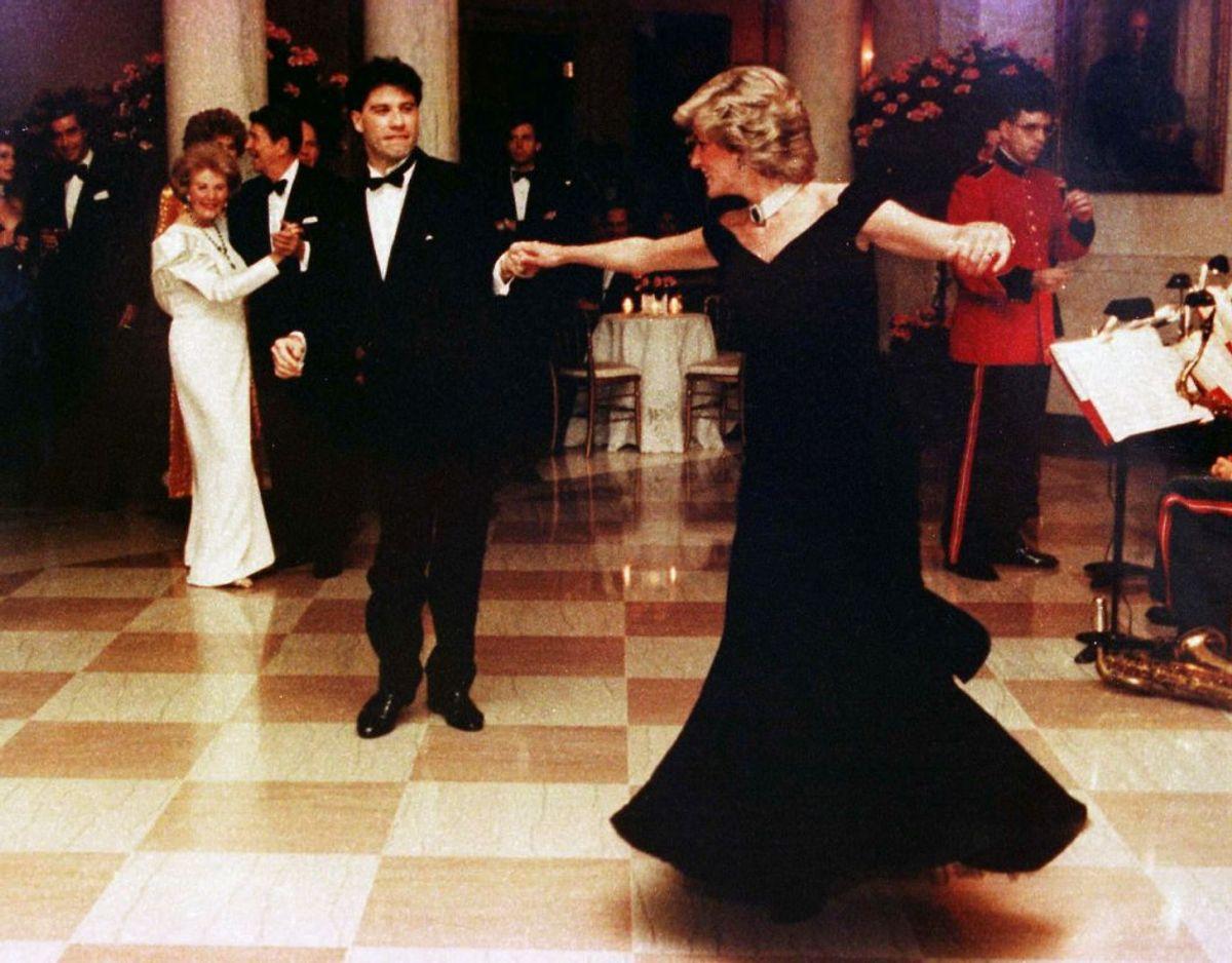 Prinsesse på dansegulvet med John Travolta. Klik videre for flere billeder. Foto: REUTERS/File Photo/STRINGER/Scanpix