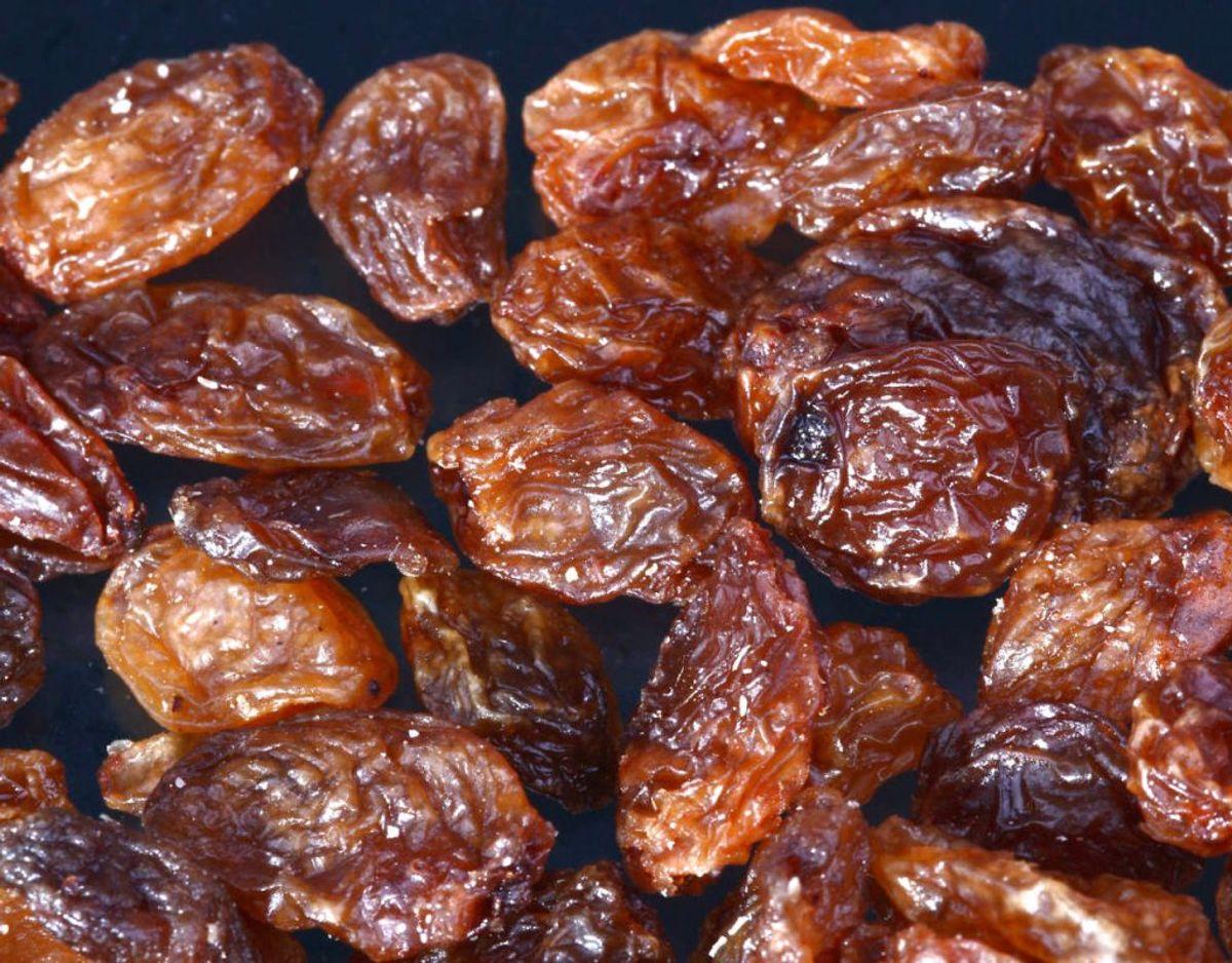 Frugter, der indeholder meget frugtsukker, som rosiner, abrikoser, bananer eller lignende kan øge mængden af luft i tarmen. Kilde: Altomsundhed.dk Foto: Scanpix
