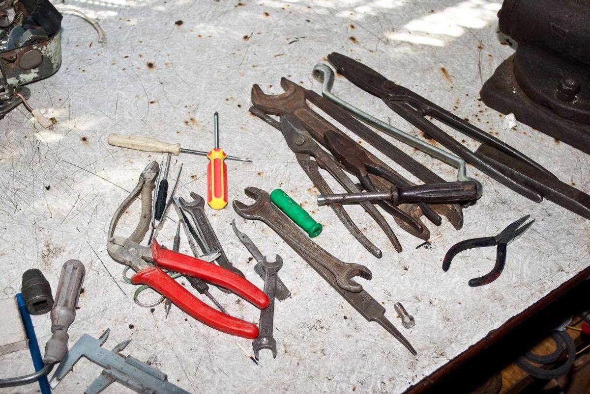 Giv dit værktøj en tur på det varmeste program og få fedtet af.