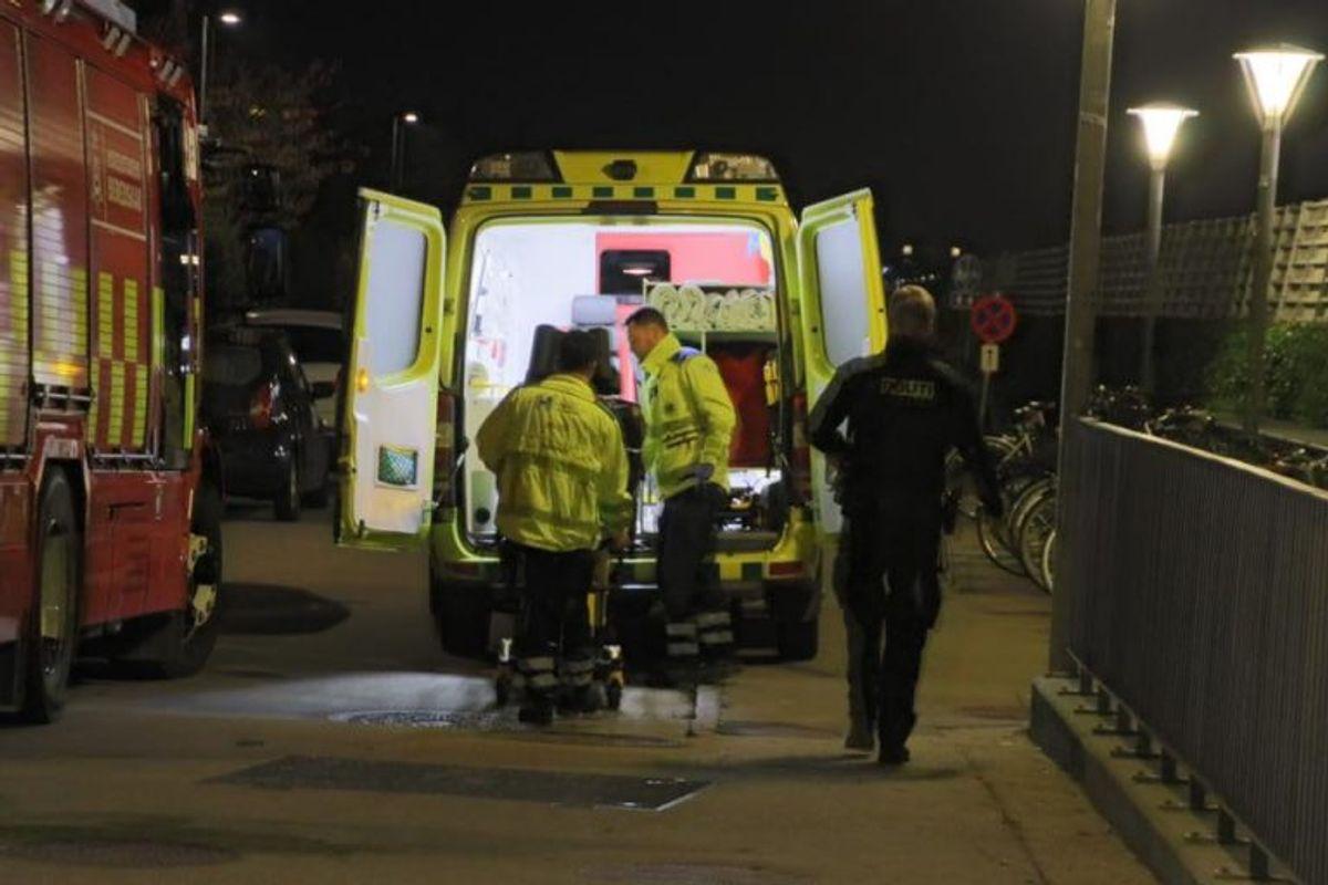 Metroen holdt stille i timevis efter påkørslen. KLIK FOR FLERE BILLEDER. Foto: Presse-fotos.dk