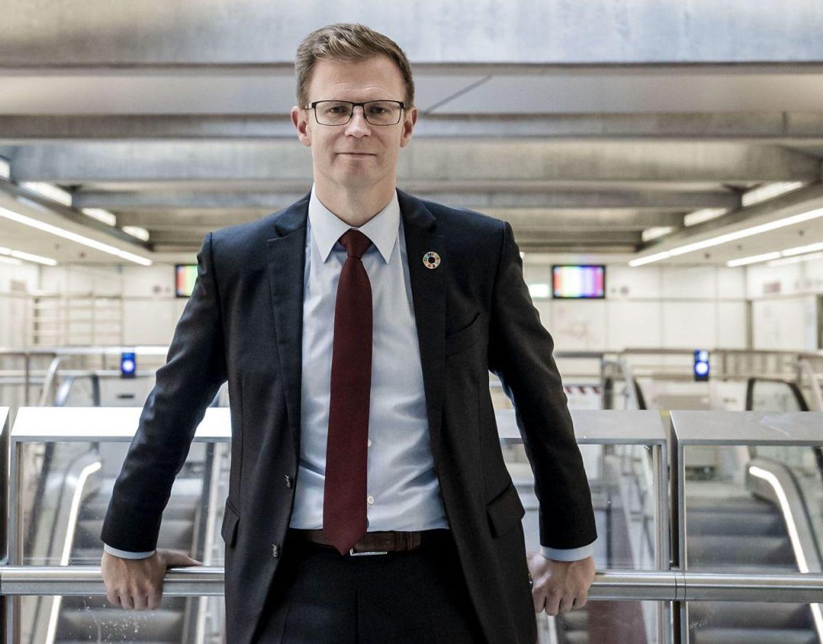 Transportminister Benny Engelbrecht skriver til Newsbreak.dk, at det umiddelbart er en dyr løsning. Foto: Scanpix