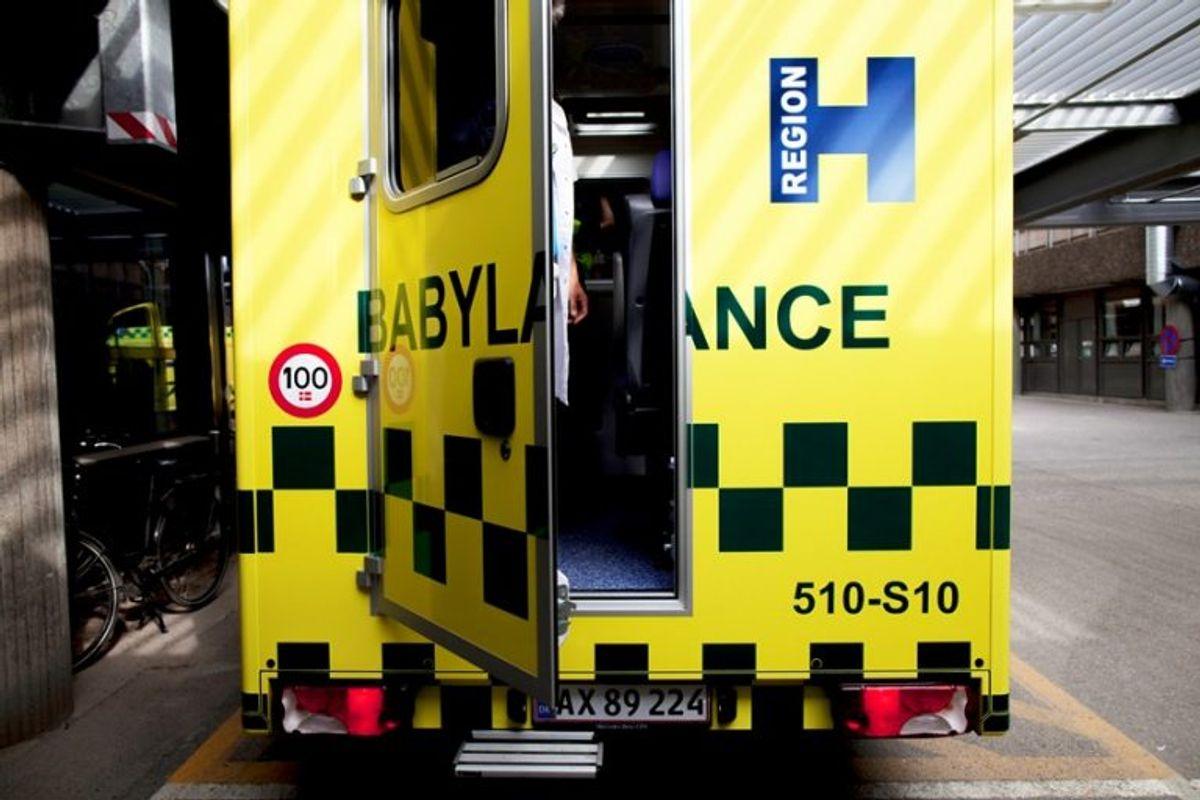 Babylancen, der tager sig af for tidligt fødte, er lige nu – med politieskorte – på vej til Rigshospitalet. Foto: Region Hovedstaden/Rigshospitalet.