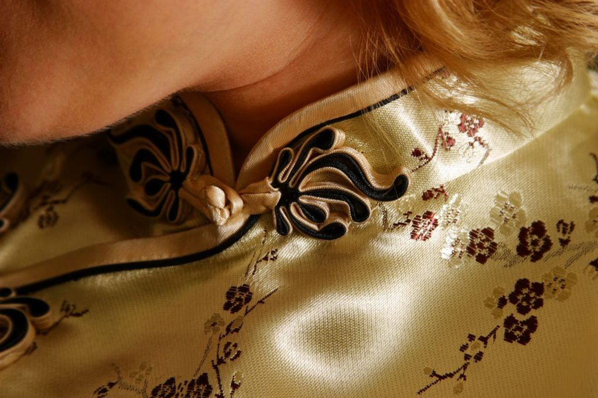 Og tøj lavet af silke. Kilde: Reader's Digest. Arkivfoto.