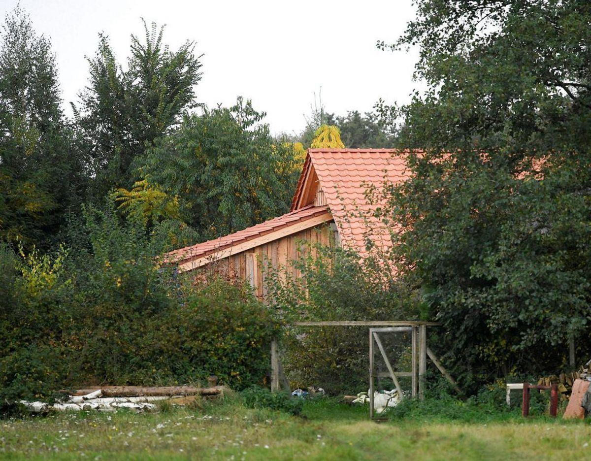 Ude fra ligner den så mange andre lidt afsidesliggende gårde, men denne gemte på en uhyggelig virkelighed. Foto: Scanpix/Piroschka van de Wouw