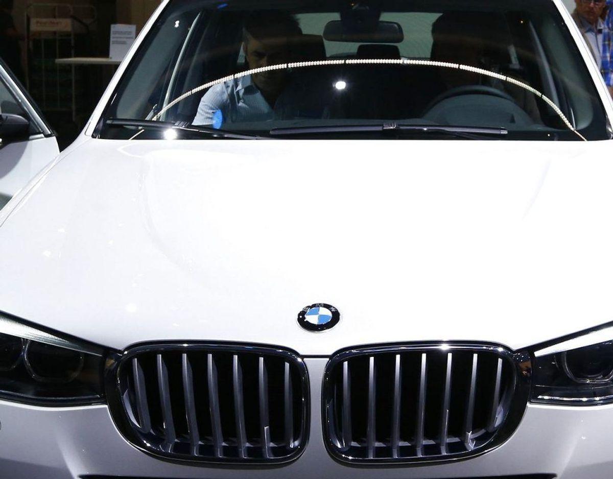 Gerningsmændene kørte fra stedet i en hvid BMW X3. Foto: Scanpix