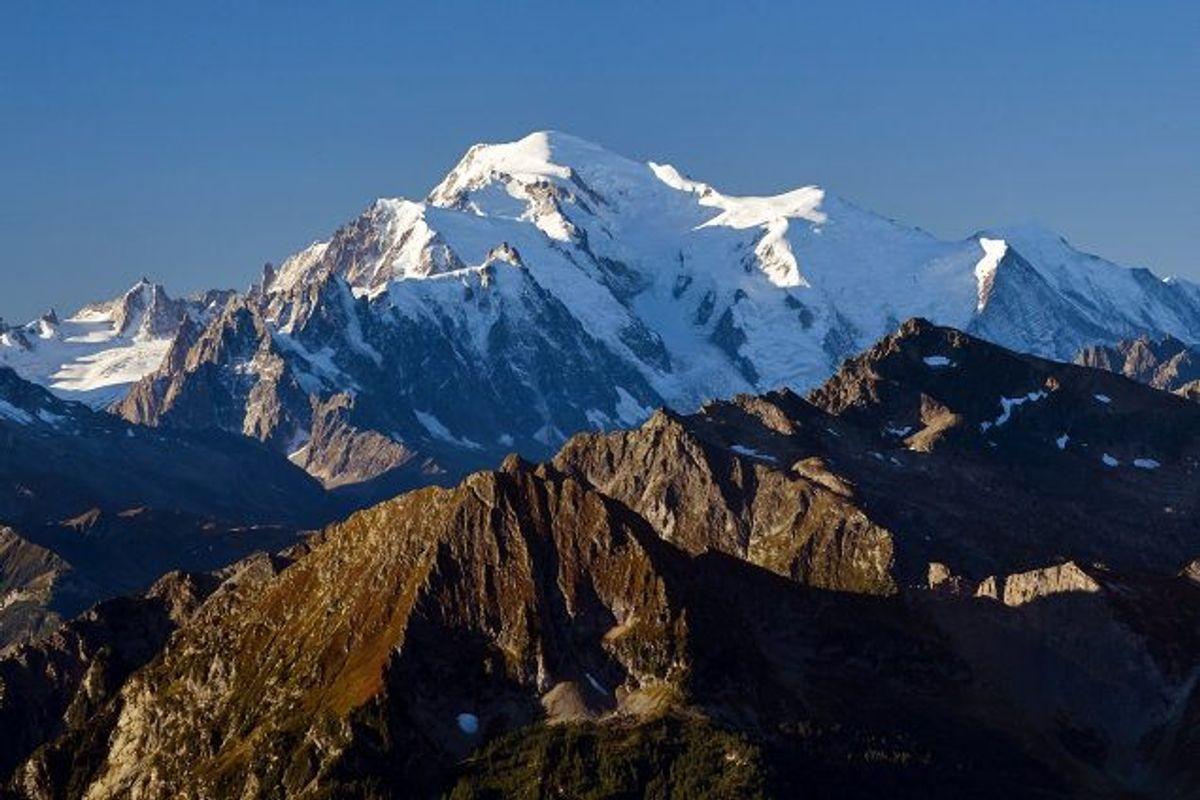Mont Blanc eller Monte Bianco er med sine 4810 meter det højeste bjerg i Alperne. (Arkivfoto) Foto: Denis Balibouse/Reuters