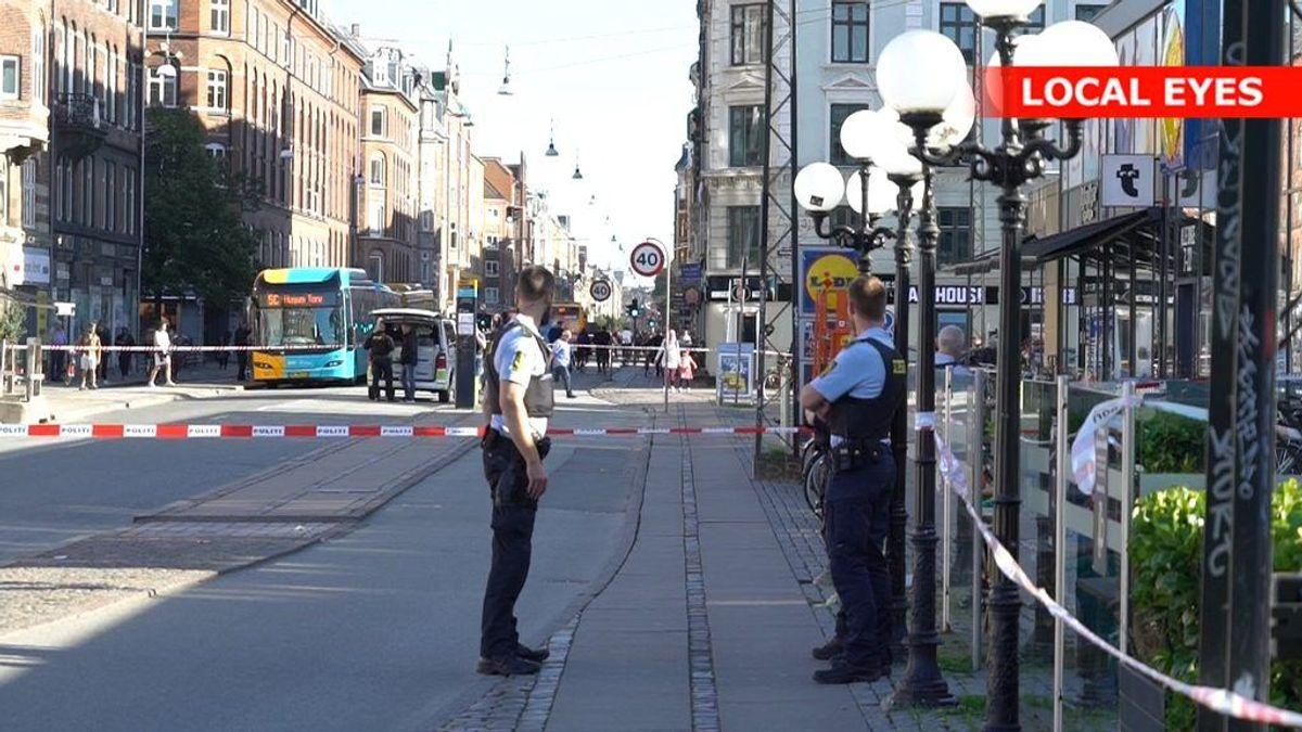 Politiet har lørdag eftermiddag afspærret et større område på Nørrebro. KLIK FOR FLERE BILLEDER FRA AKTIONEN.
