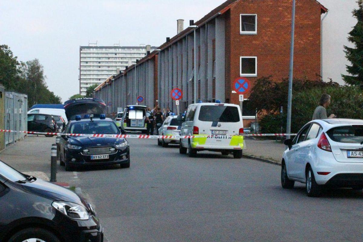 Siden viste det sig, at der var tale om et knivstikkeri. Foto: Presse-fotos.dk