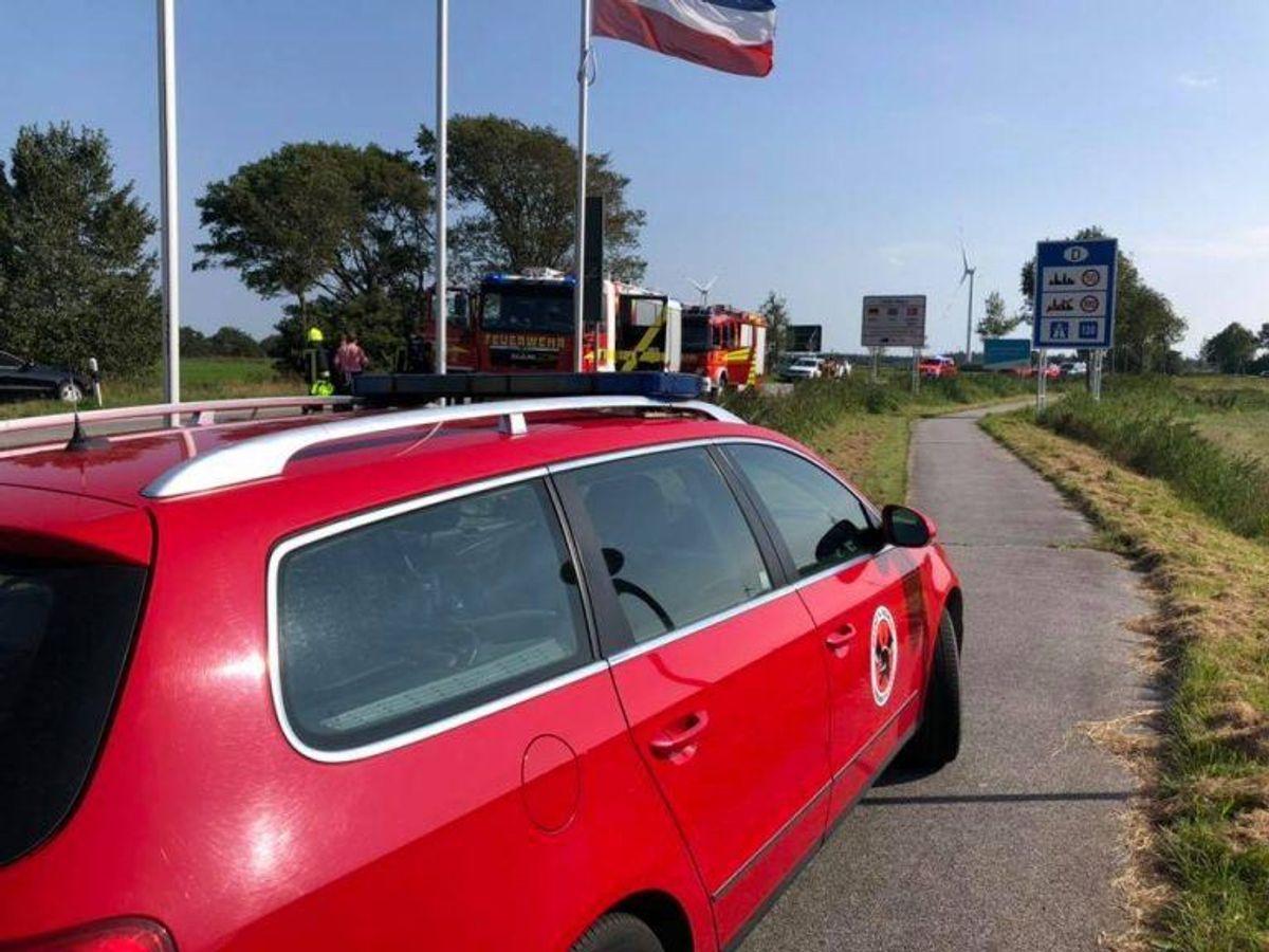 I den ene bil sad en fastklemt kvinde. Foto: Brand & Redning Sønderjylland.