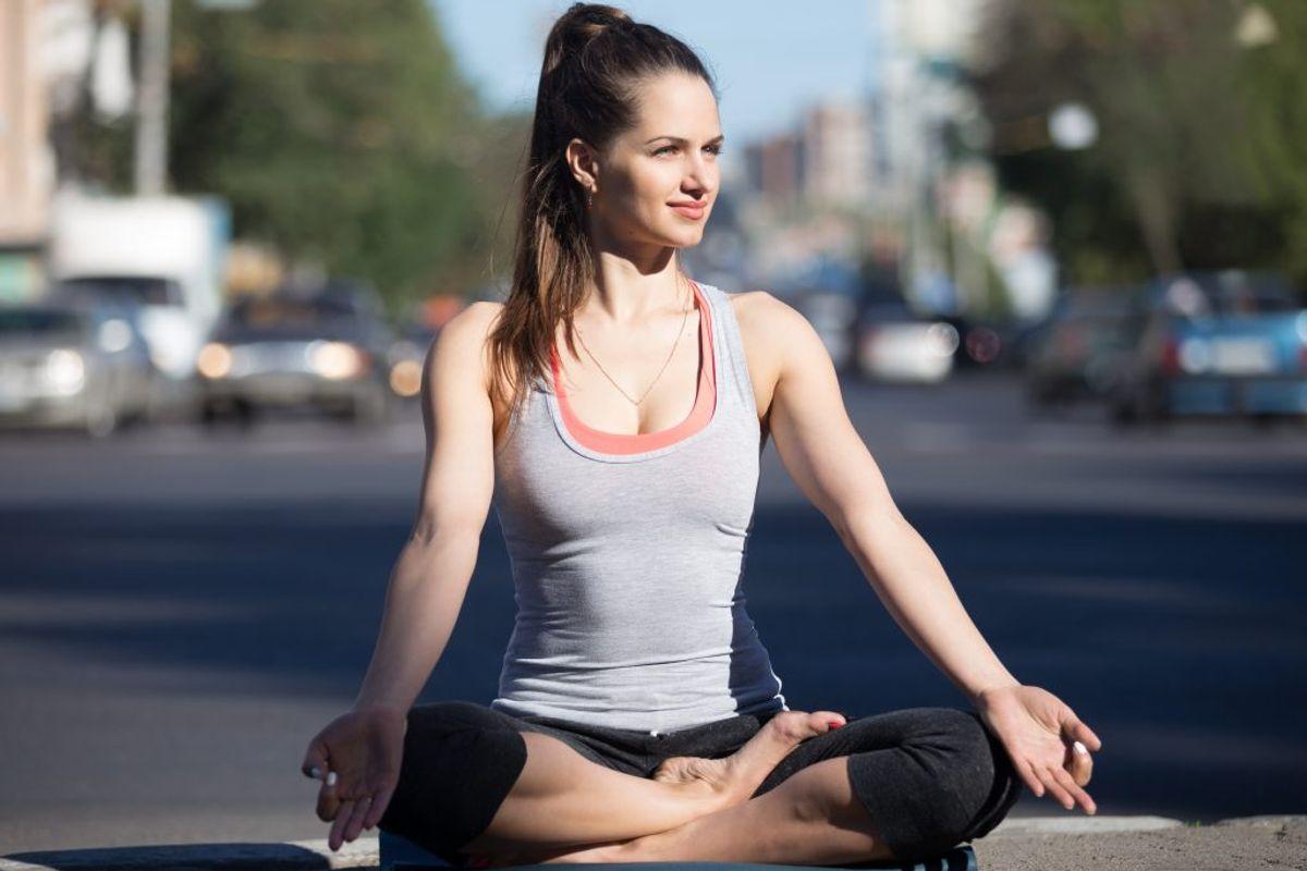 Du kan begynd at lave vejrtrækningsøvelser, hvis du oplever stress. Herudover kan du prøve at ændre din tankegang gennem fx mindfulness. Foto: Colourbox