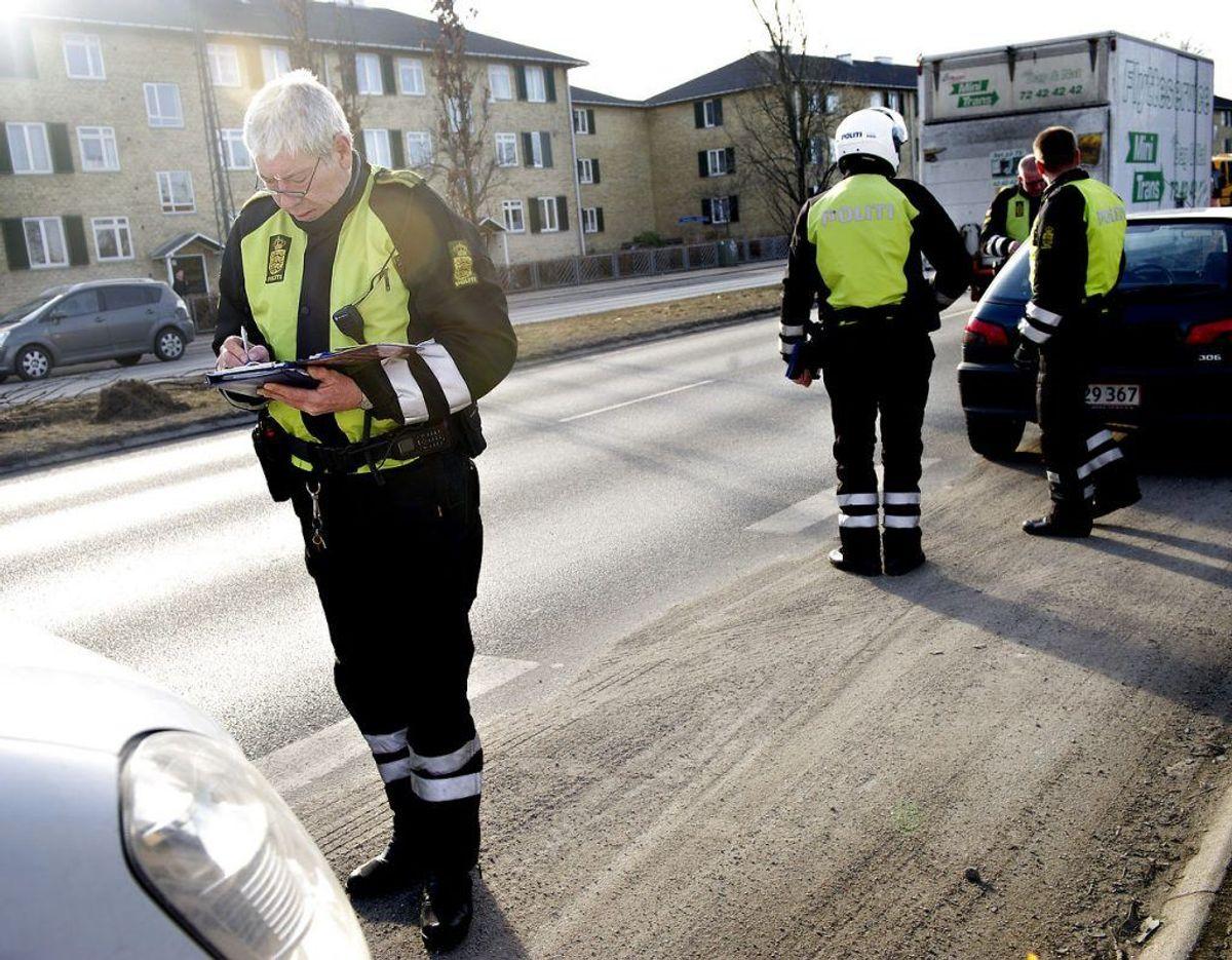2. Forældrenes trafikale adfærd, herunder parkering, i forbindelse med aflevering af børn ved skolerne. Foto: Scanpix