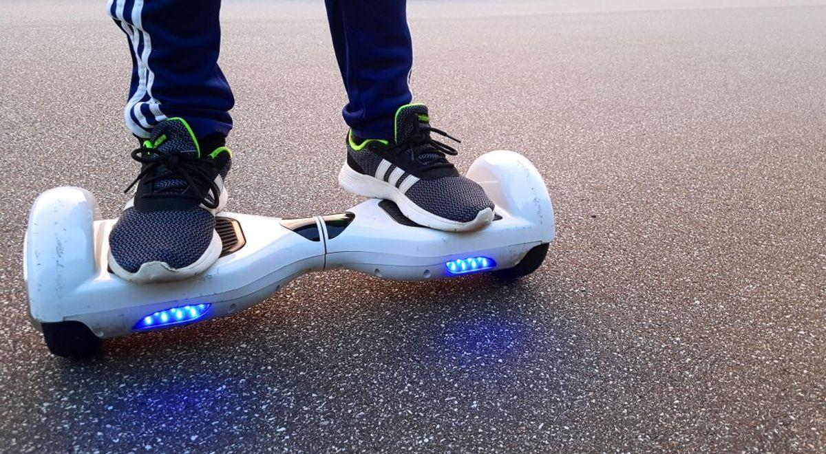 Der er ikke forsikringspligt på segboards og elektriske skateboards, men de skal være CE-mærket og må maksimalt veje 25 kilo, samt være maksimalt 1,2 meter lange og 70 centimeter brede. Klik videre for flere regler. Foto: Colourbox