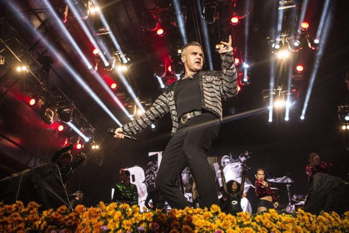 Robbie Williams lukkede Bøgescenerne på Smukfest natten til torsdag. Foto: Helle Arensbak/Scanpix