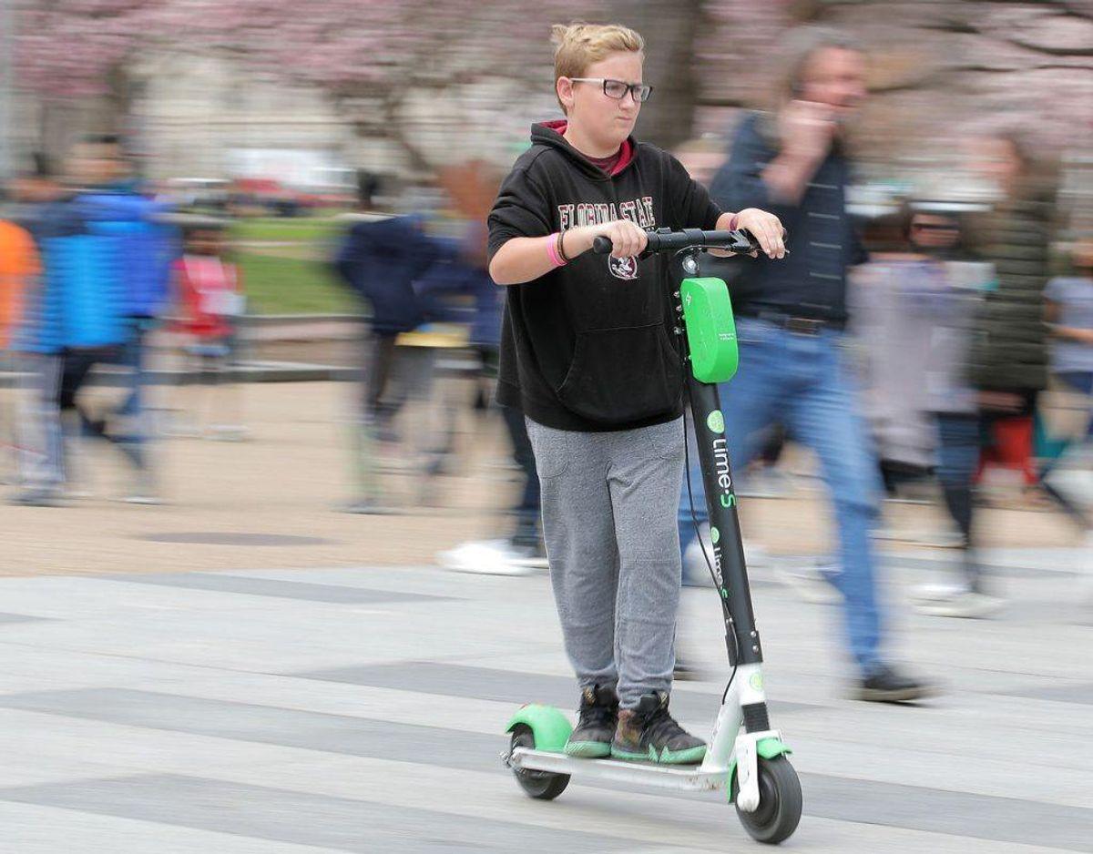 For at køre elløbehjul skal man være mindst 15 år eller følges med en voksen. Kilde: Codan. Klik videre i galleriet for flere billeder. Foto: Scanpix/REUTERS/Brendan McDermid