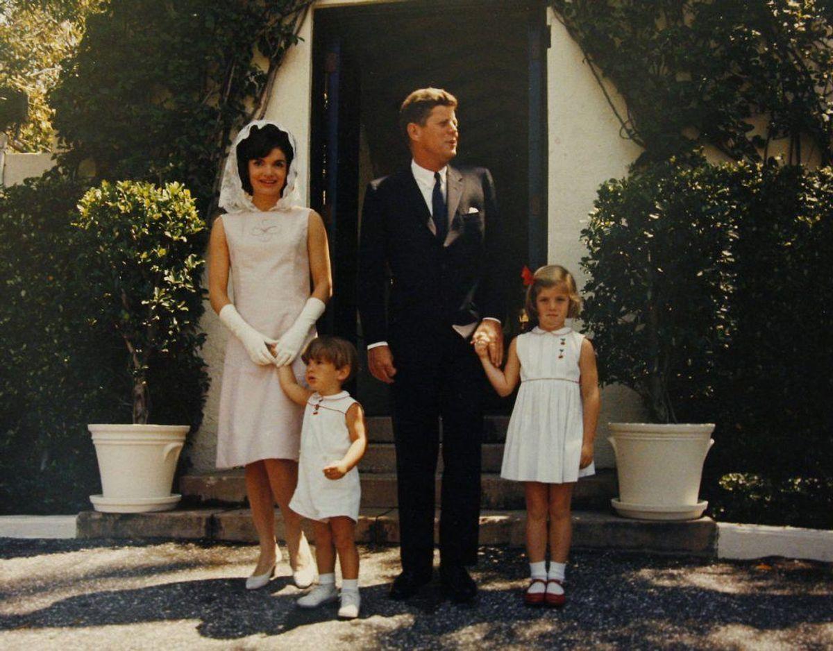 Jacqueline Kennedy Onassis var gift med John F. Kennedy. Hun døde af kræft kun 64 år gammel i 1994. Foto: Scanpix.