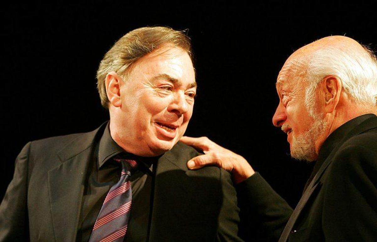 Hal Prince er død i en alder af 91 år. På billedet ses Harold Prince (til venstre) og komponist Andrew Lloyd Webber. (Arkivfoto). Foto: Seth Wenig/Reuters