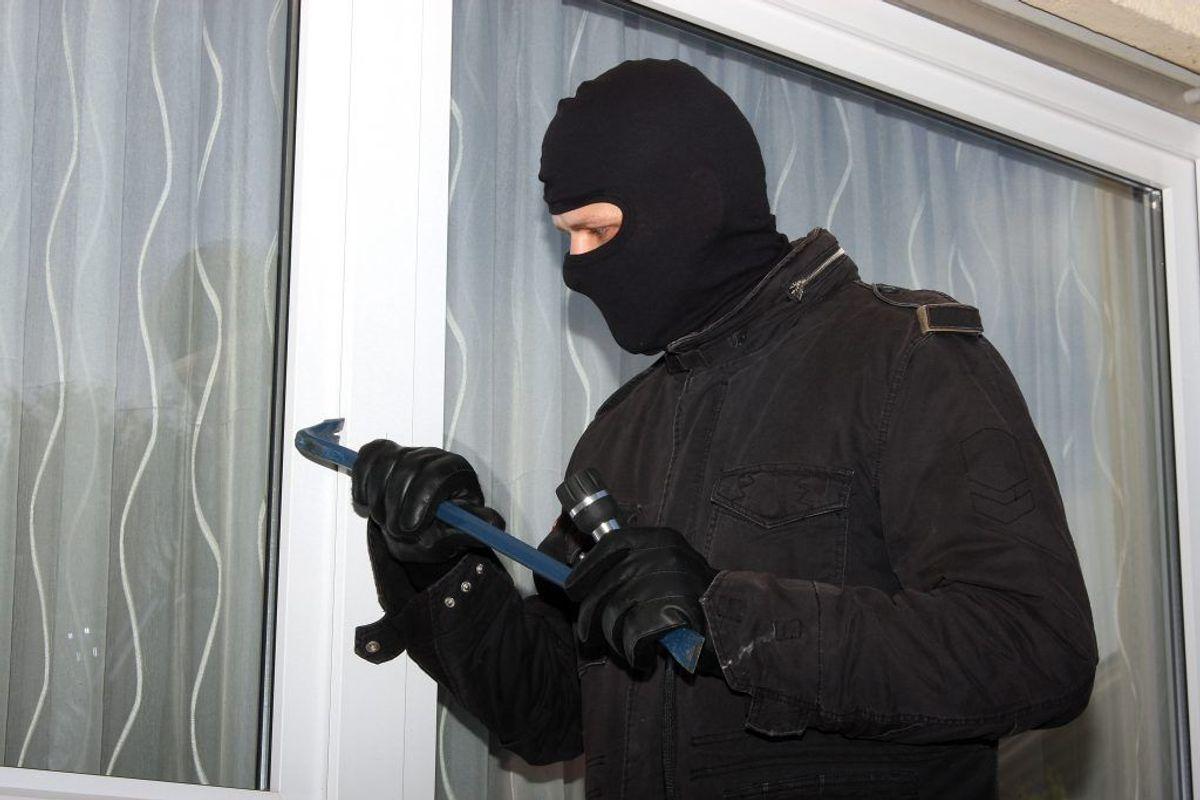 Politiet har frigjort to billeder af indbrudstyvene. KLIK VIDERE OG SE BILLEDERNE. Foto: Colourbox