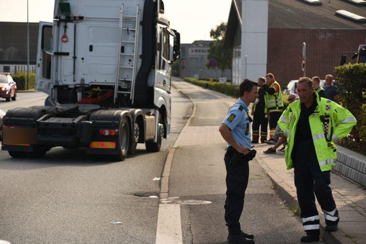 En kvinde er død efter en ulykke. Foto: Øxenholt Foto