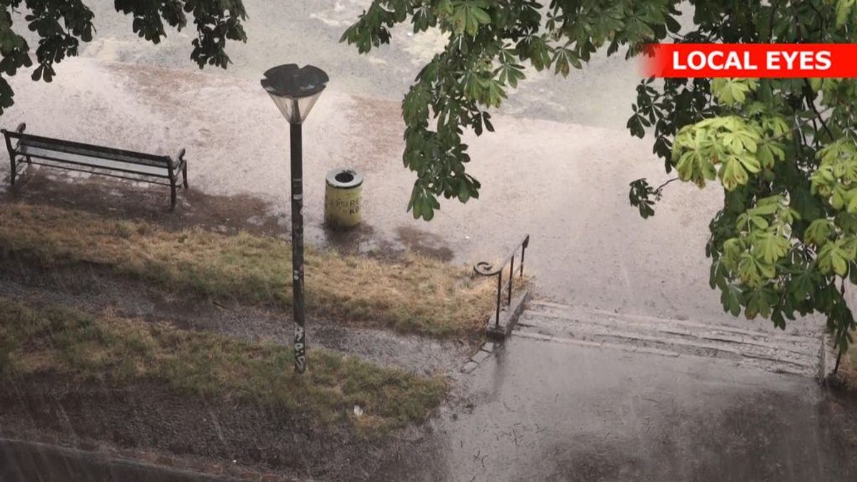 Regn, lyn og torden over Danmark søndag. Ifølge DMI er der udsigt til mere af samme skuffe slut mod juli. Foto: Local Eyes. KLIK for mere.