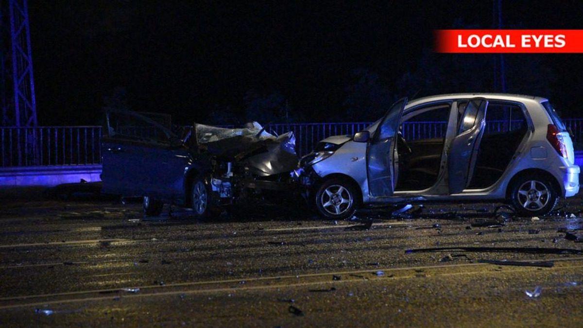 En person er død i en trafikulykke på Langebro i København. KLIK FOR FLERE BILLEDER FRA ULYKKESSTEDET. Foto: Local Eyes.