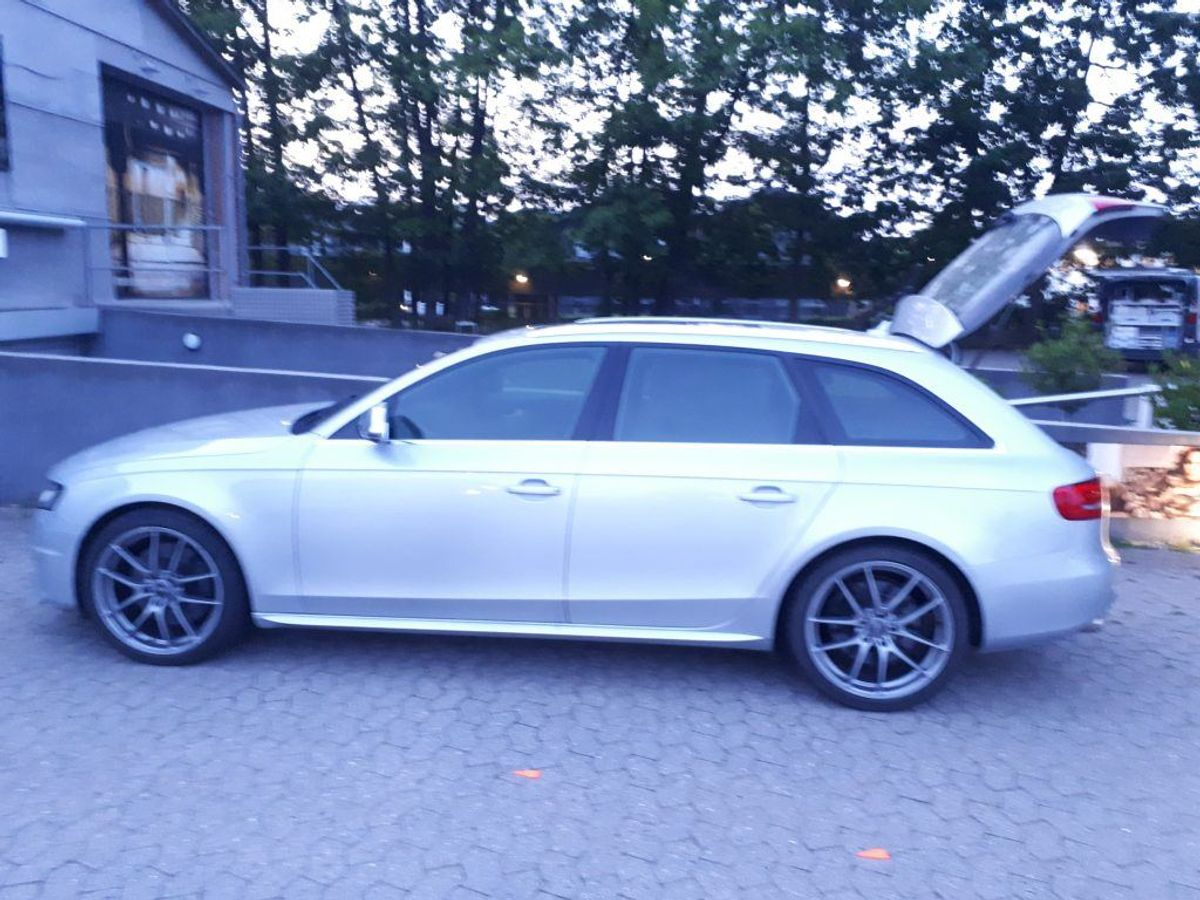 Politiet vurderer, at denne Audi er flugtkøretøjet. Foto: Politiet.
