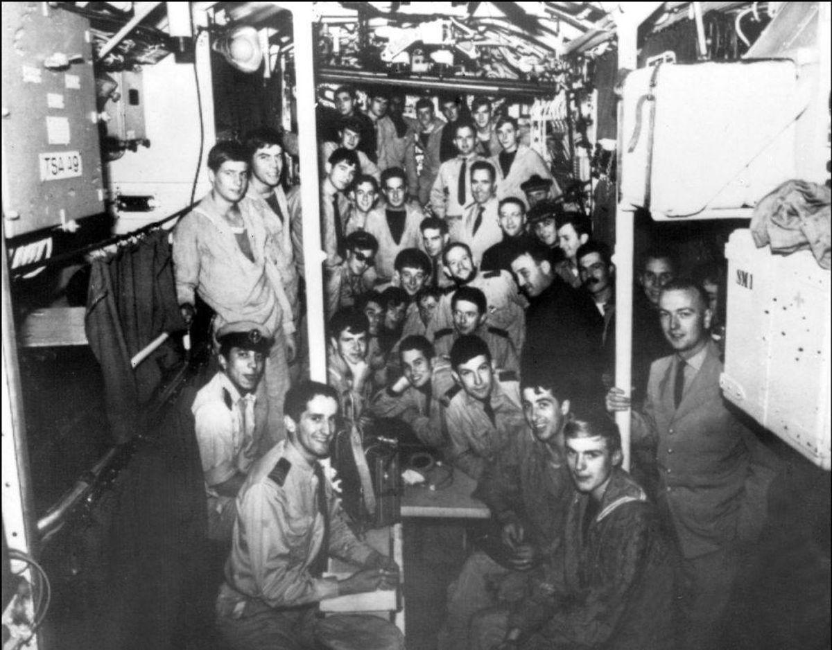 Ubådens besætning ses her i 1965. Ubåden forsvandt den 27. januar 1968 med 52 mand om bord. Foto: Scanpix