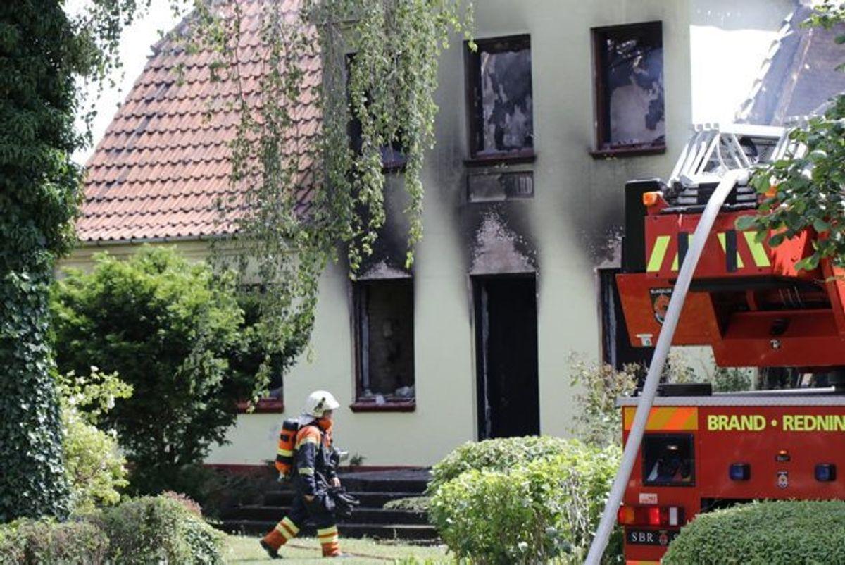 I det udbrændte hus blev den 80-årige beboer fundet død. Han blev dræbt, inden der blev sat ild til stedet. (Arkivfoto) Foto: Presse-Fotos.dk/Scanpix