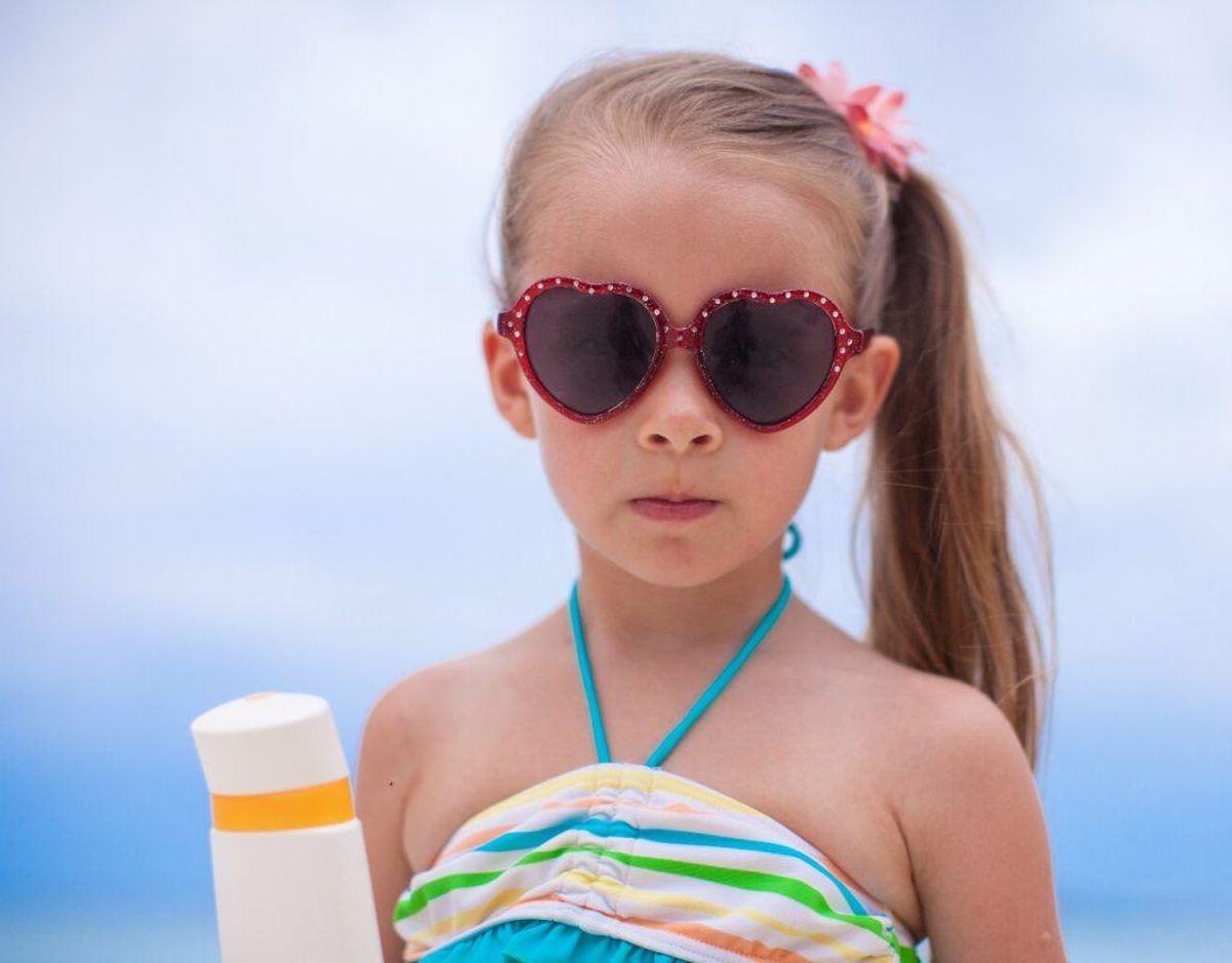 Svanemærket begrænser indholdet af allergifremkaldende stoffer. Derudover må produkter til børn under 12 år ikke indeholde parfume. Genrefoto.