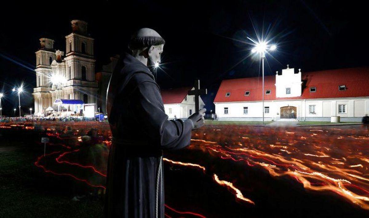 Den årlige Budslav fest i Hviderusland for kristne har givet byen Budslav status af verdensarv. Foto: Scanpix