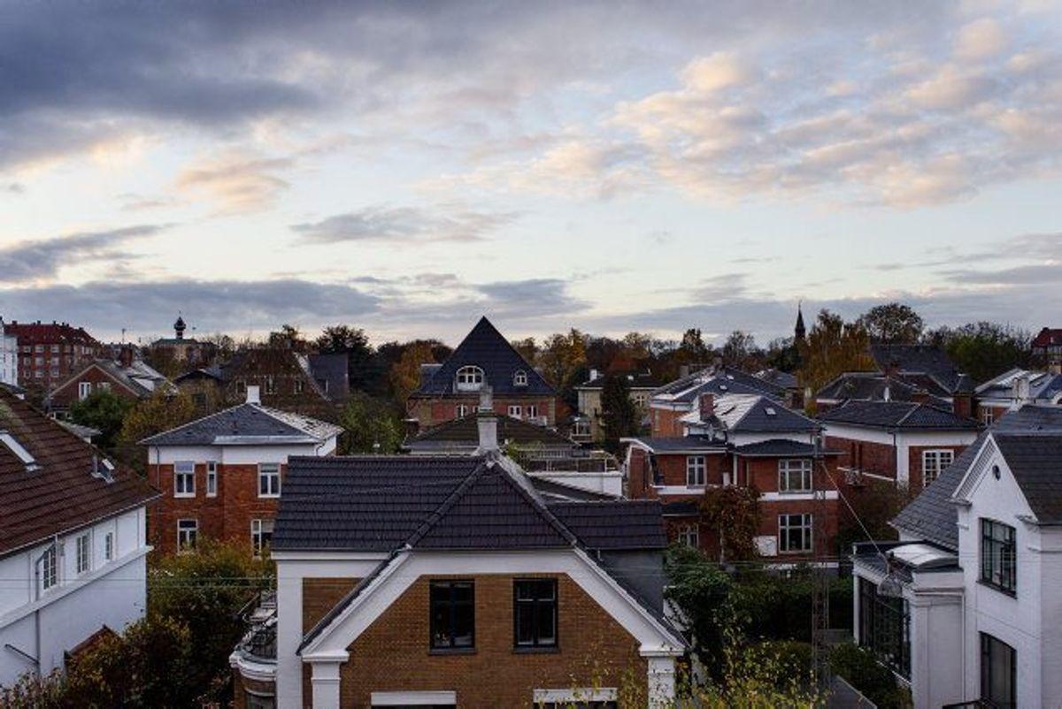 Har du omlagt dit boliglån, så tjek din forskudsopgørelse og se, om renteudgifterne, som giver dig fradrag, har ændret sig væsentligt. I så fald skal du rette det til, hvis du vil undgå restskat næste år. Foto: Kasper Palsnov/Scanpix