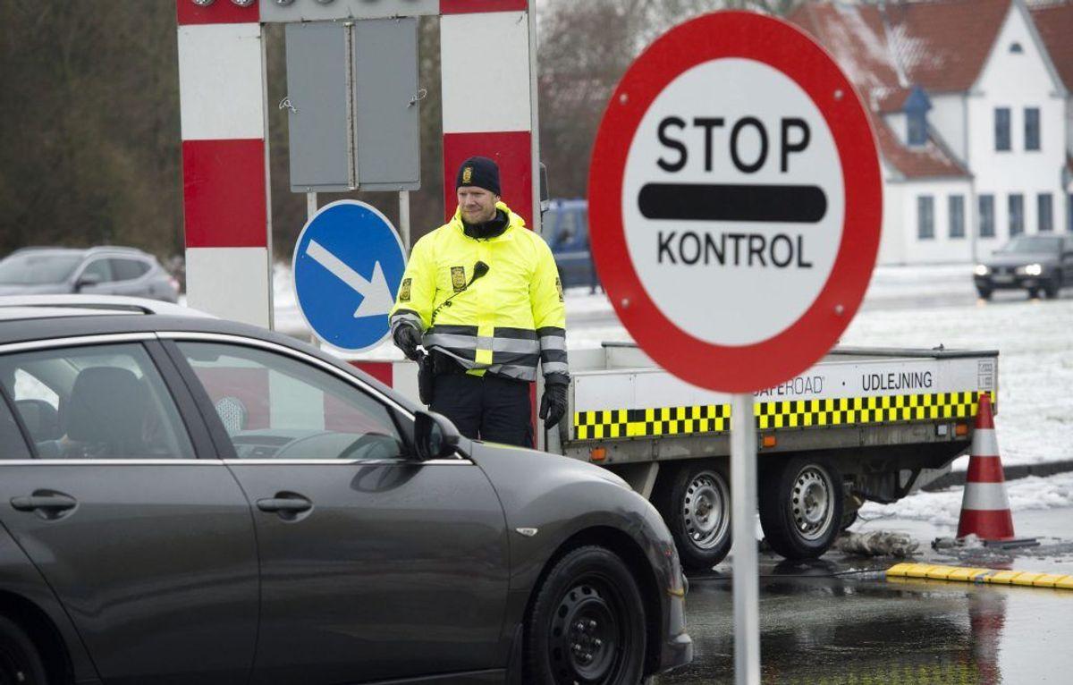 På grund af grænsekontrollen vil der også være risiko for kødannelse fra Tyskland. Foto: Scanpix