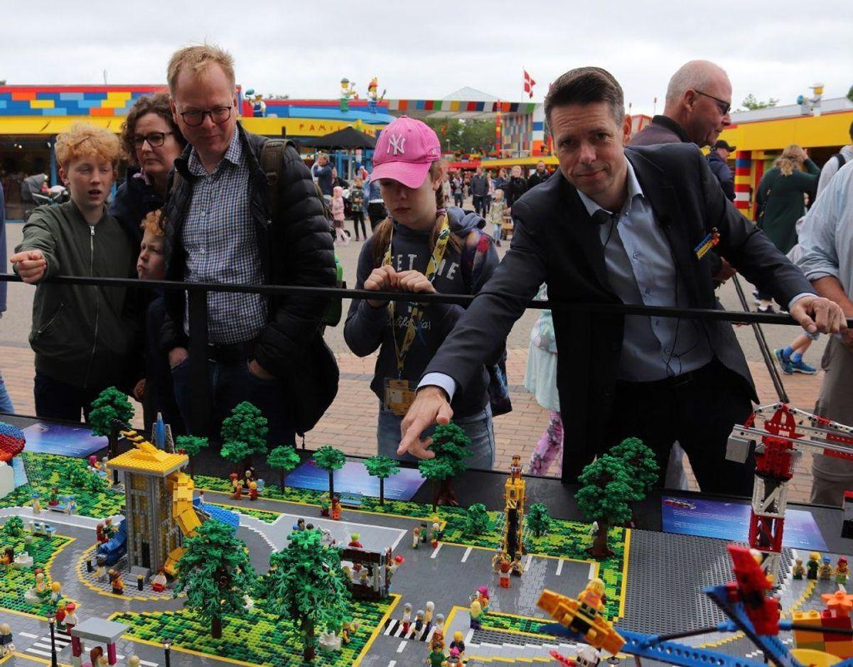 Legoland direktør Christian Woller fortalte den fremmødte presse om detaljerne i det kommende område. Klik videre i galleriet for flere oplysninger og billeder. Foto: Newsbreak.dk