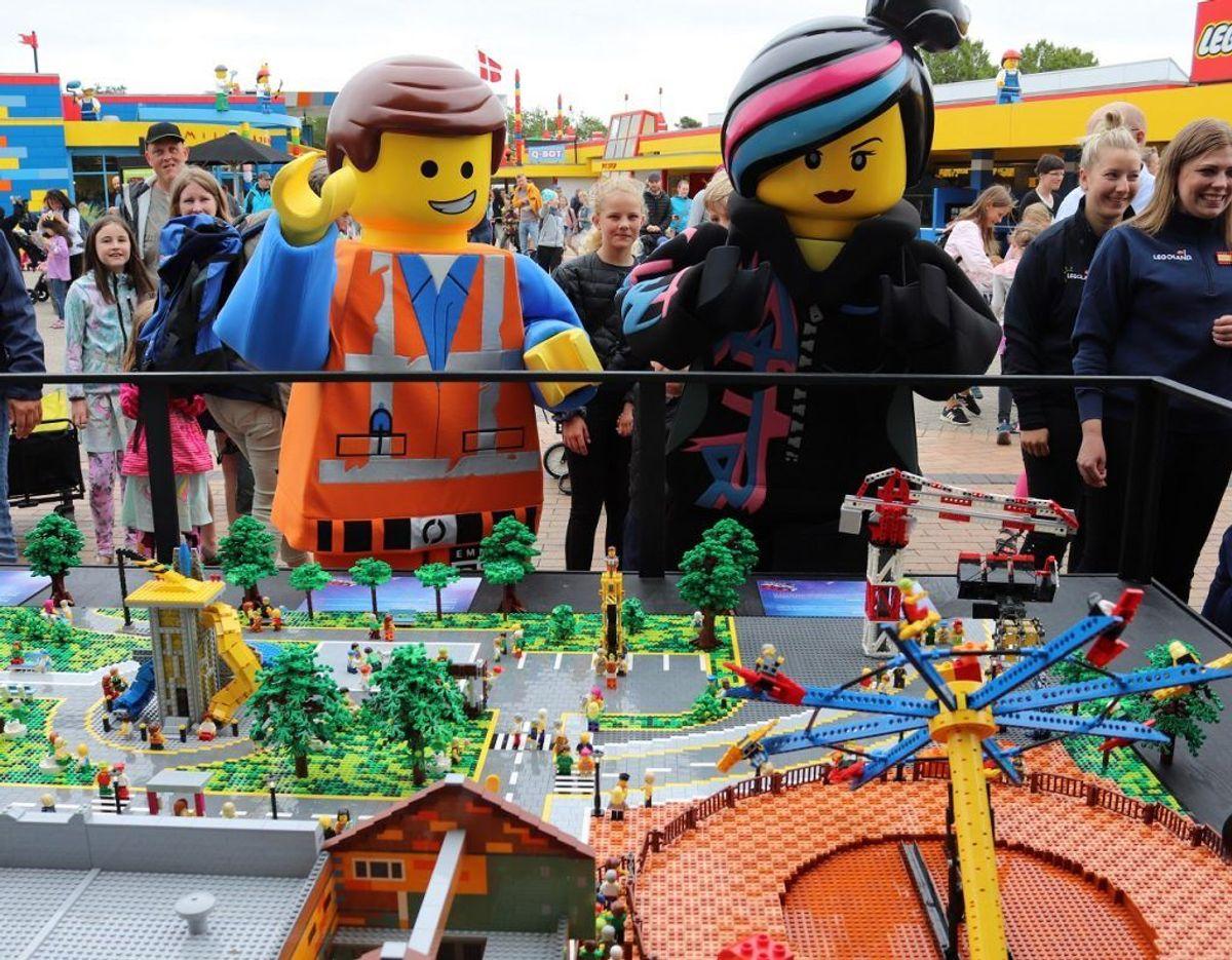 Hovedpersonerne i de to Lego film, Lucy og Emmet, var også med til dagens offentliggørelse. Klik videre i galleriet for flere oplysninger og billeder. Foto: Newsbreak.dk.
