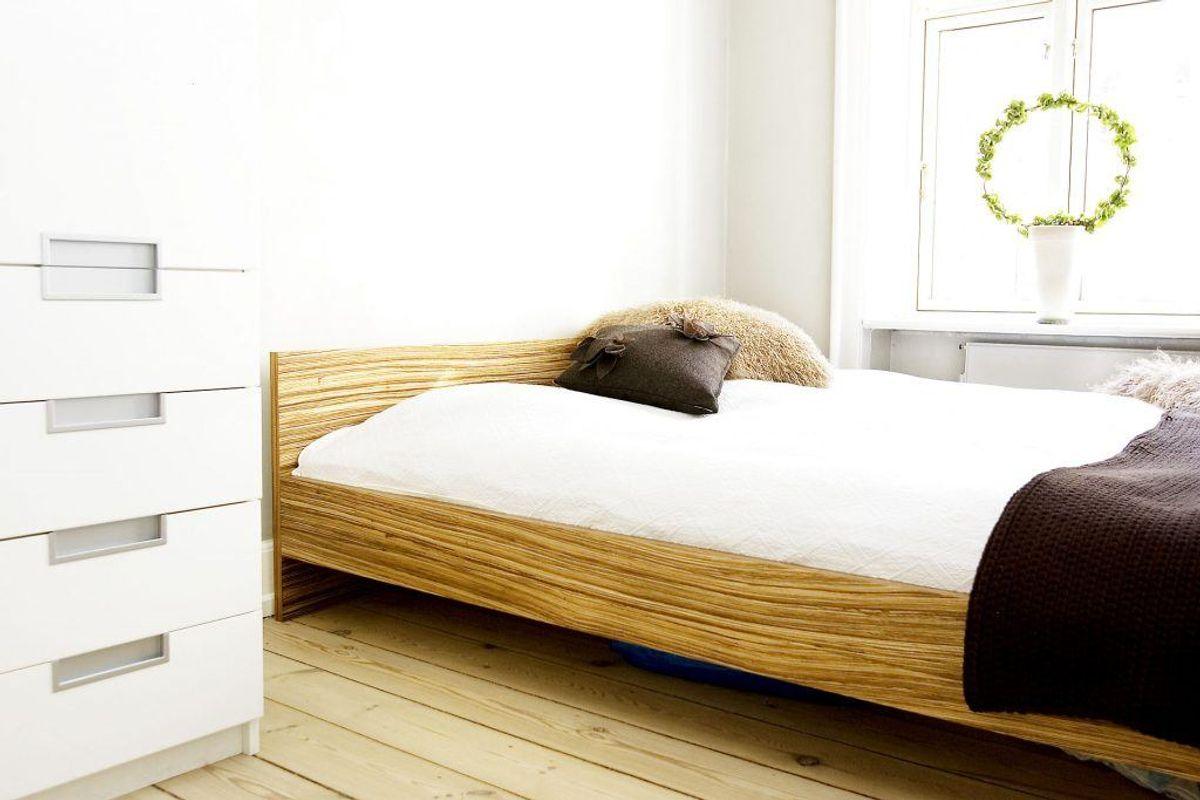 Anskaf en god topmadras, og sov med et lagen eller dynebetræk. (Foto: Erik Refner/Scanpix)