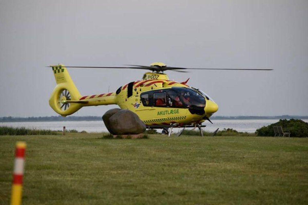 En kvinde kom alvorligt til skade ved en ulykke på havnen i Ringkøbing. KLIK FOR FLERE BILLEDER FRA STEDET. Foto: Presse-fotos.dk.