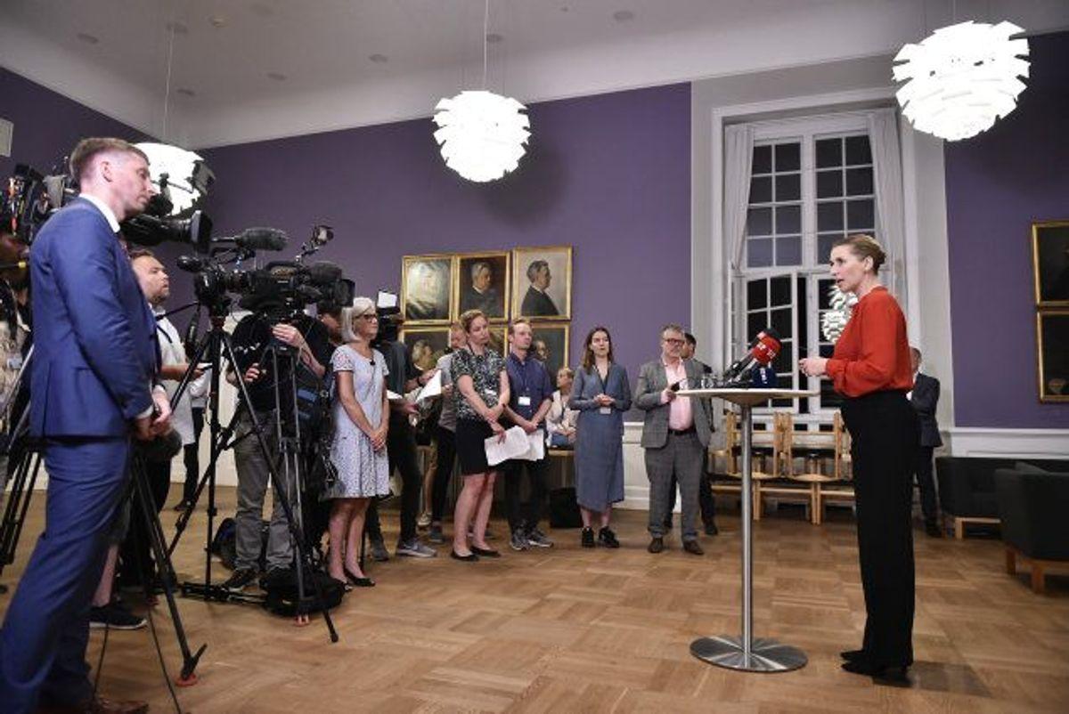 Mette Frederiksen, formand for Socialdemokratiet, holdt natten til onsdag pressemøde, efter at de røde partier var blevet enige om et nyt regeringsgrundlag. Foto: Mads Claus Rasmussen/Scanpix