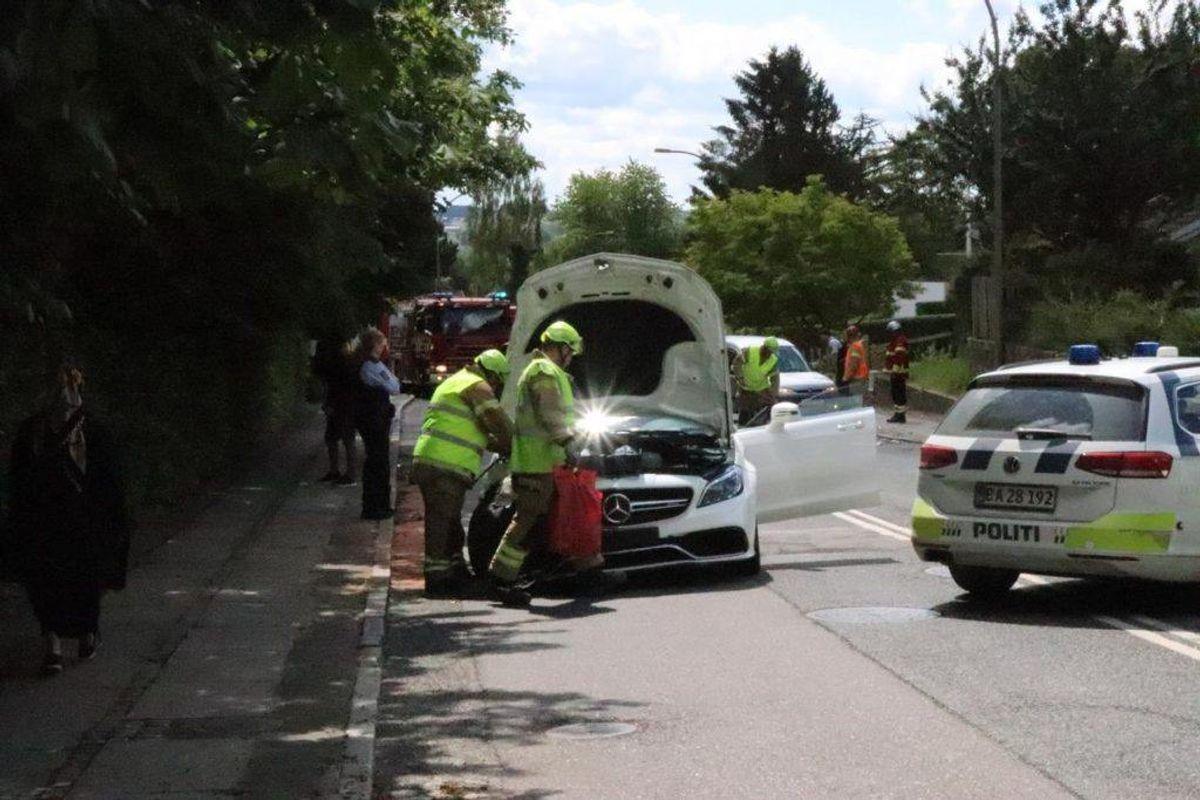 Tre biler stødte lørdag eftermiddag sammen. KLIK for flere billeder. Foto: Øxenholt Foto.