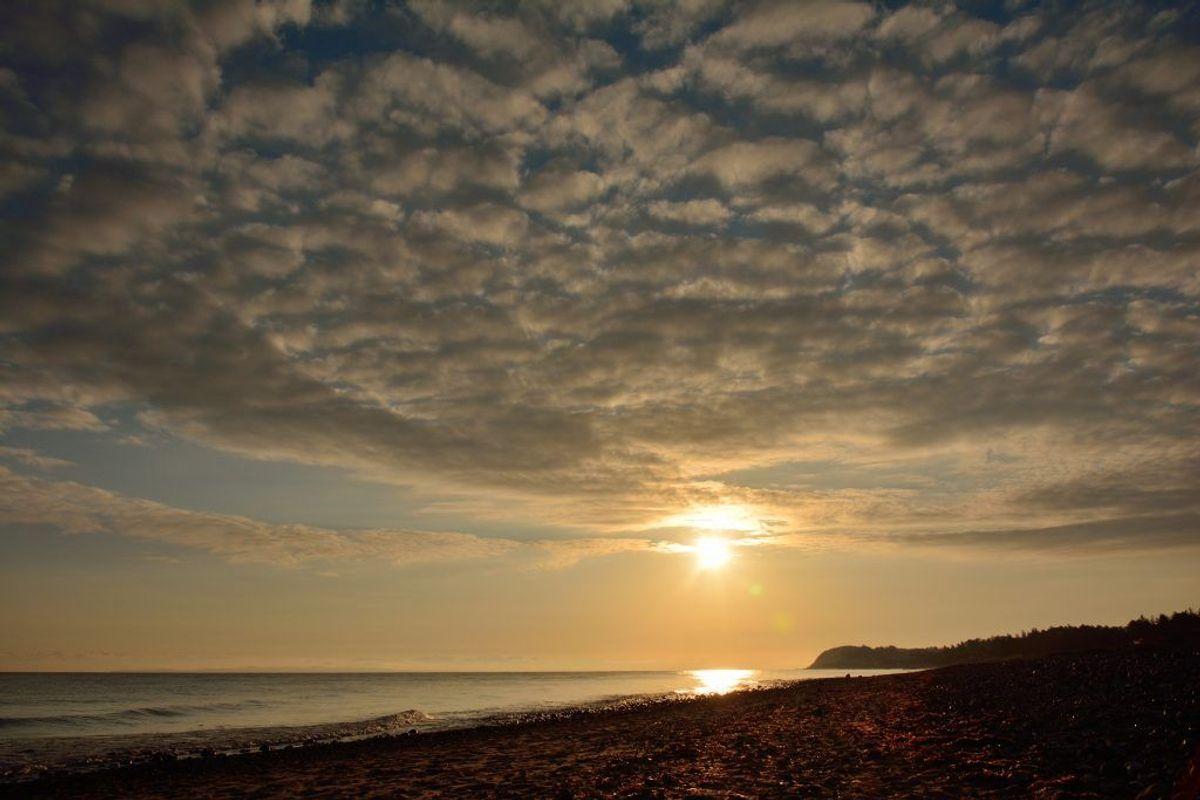 Sol og skyer kommer til at præge dagen i dag. KLIK for mere info. Foto: DMI.