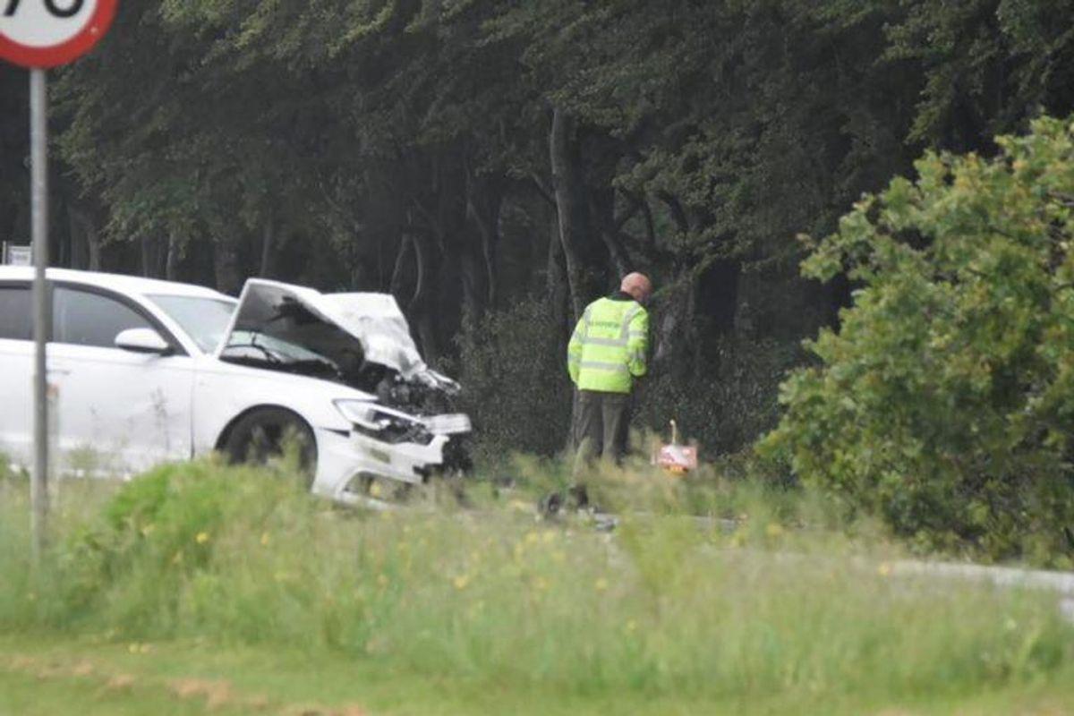 En fører af en Falckbil er i kritisk tilstand efter en ulykke ved Holstebro. KLIK for flere billeder. Foto: Presse-fotos.
