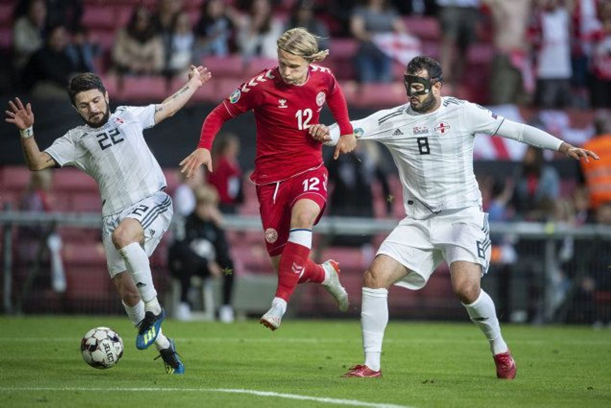 Danmarks Kasper Dolberg (i midten) scorede to gange i 5-1-sejren over Georgien. Foto: Liselotte Sabroe/Scanpix