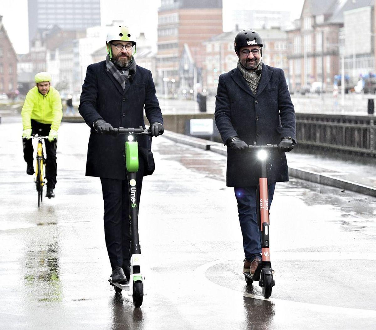 De elektriske løbehjul blev – som forsøg – gjort lovlige herhjemme den 17. januar. KLIK VIDERE OG SE, HVAD DER GÆLDER AF REGLER FOR DE NYE TRANSPORTMIDLER.. (Foto: Ernst van Norde/Scanpix)