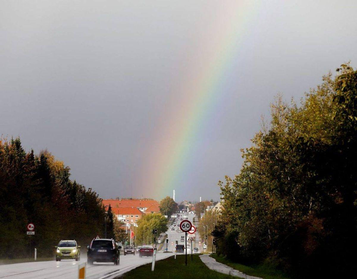 Regnbuen opstår, når solen står lavt på himlen og man har solen i ryggen. Foto: Scanpix