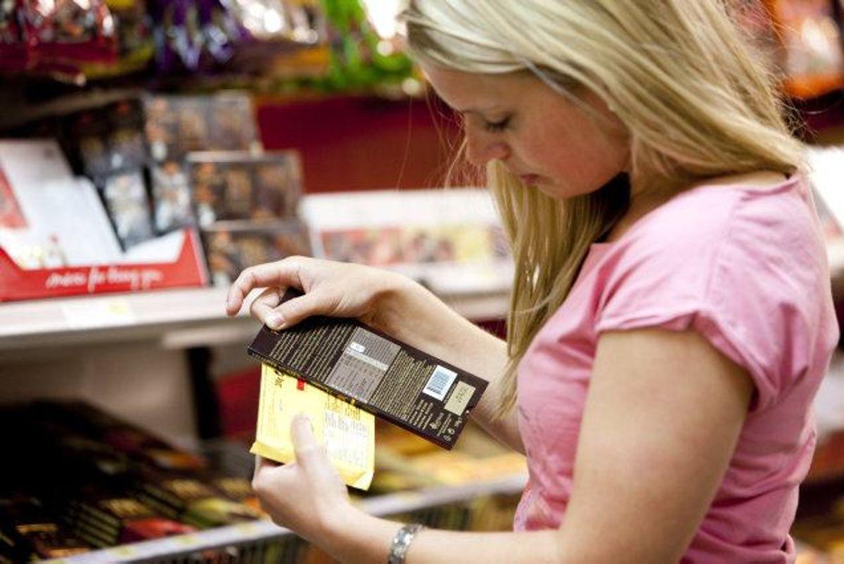 Hovedreglen er, at man skal holde sig til sin indkøbsliste. Men man kan sætte et lille fast beløb af til impulskøb og dermed stadig overholde sit budget, råder Mikkel Pii. Genrefoto: Colourbox. KLIK og få konkrete råd til at holde fokus når du handler ind.