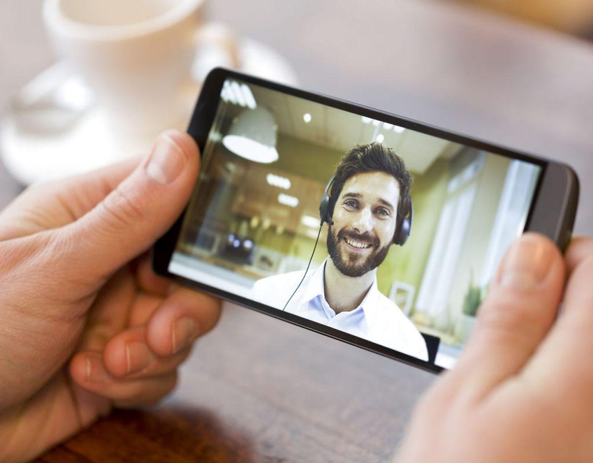 Hvis du bruger meget tid på FaceTime, Skype eller andre opkaldstjenester, så kan dit batteri blive drænet i rekordfart. Foto: Scanpix